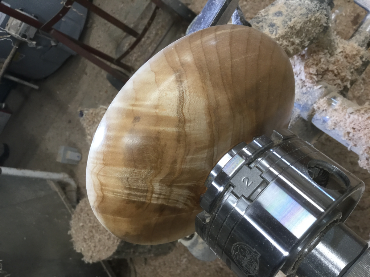 Woodland Bowl Company offers commissions.